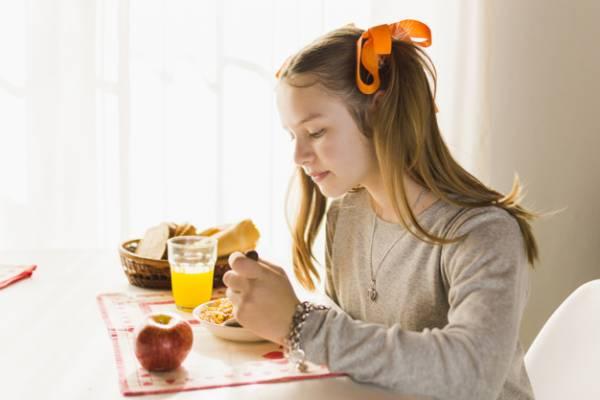 رژیم غذایی مخصوص دختران جوان